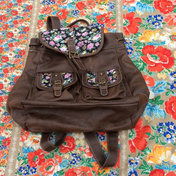 Claire's Handbags - Claire's small brown backpack